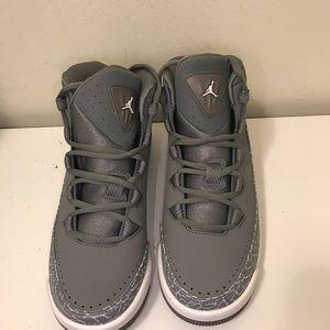 Nike Air Jordan Deluxe BG Sneakers size 7